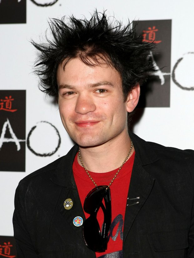 deryck_whibley_smiling_spikey