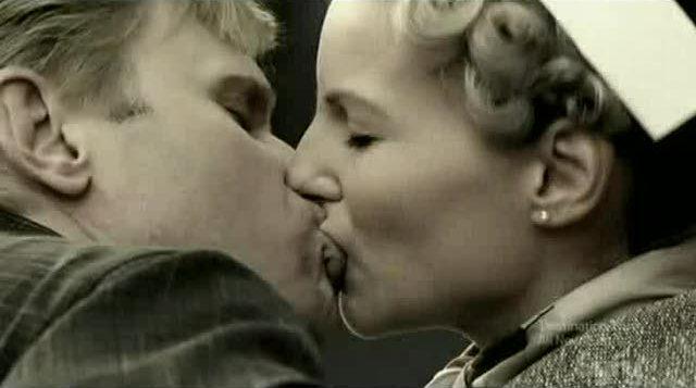 Bishop-and-Jane-kissing